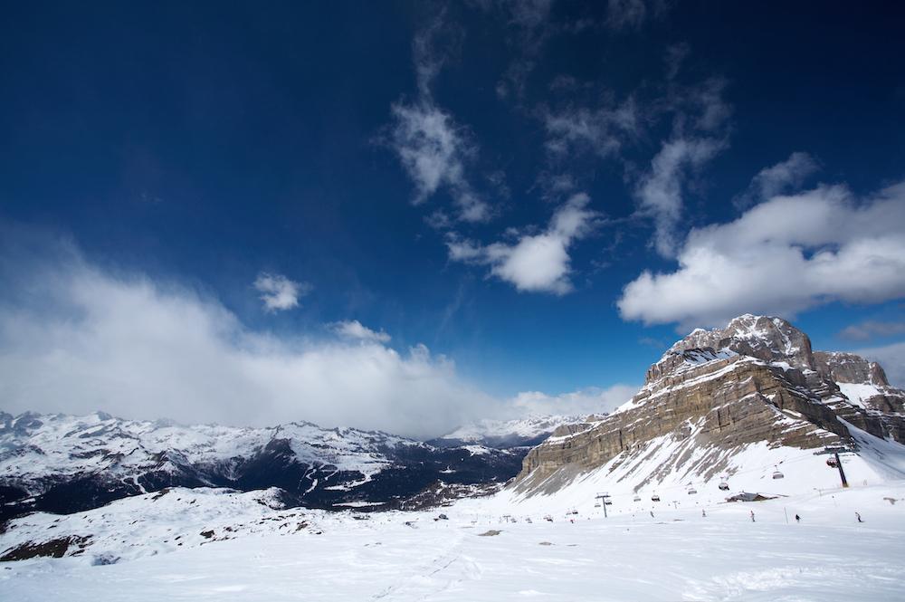 L'emozione unica di un viaggio in Heliski sulle Dolomiti